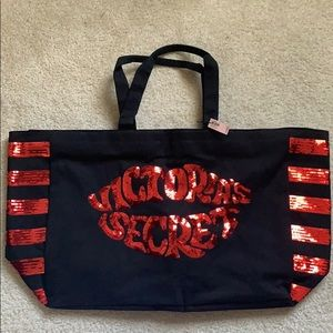 Victoria's Secret Weekend Bag